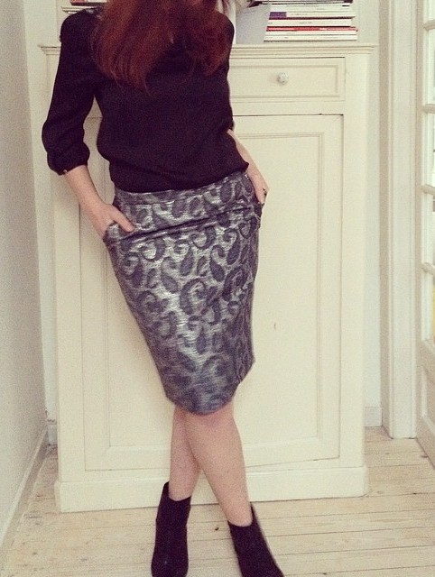 silver lame skirt2